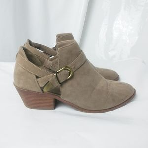 Time & Tru Ankle Boots Size :10